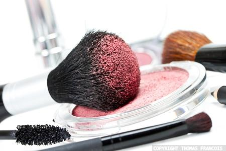 New functional mineral for colour cosmetics