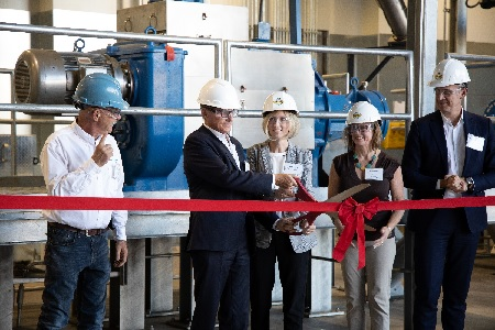 New natural oil extraction facility opens